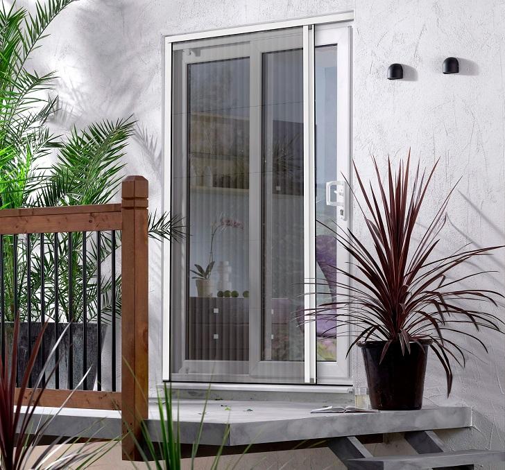Una zanzariera per ogni porta finestra casa e trend - Zanzariere per porte finestre ...